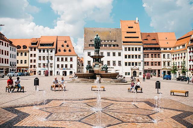 Freibergs_historische_Altstadt_entdecken_und_genießen__am_Obermarkt__c__SilberstadtFreiberg_599media_PaulSchmidt_PSD_3244.jpg